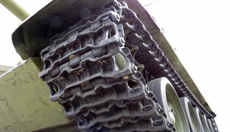 Начальник псковского полигона ВДВ сдал на металлолом 17 танков