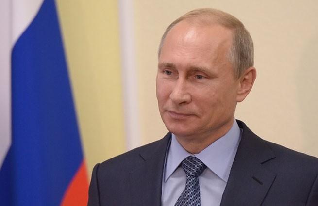 Владимиру Путину присвоено звание почетного гражданина Республики Крым