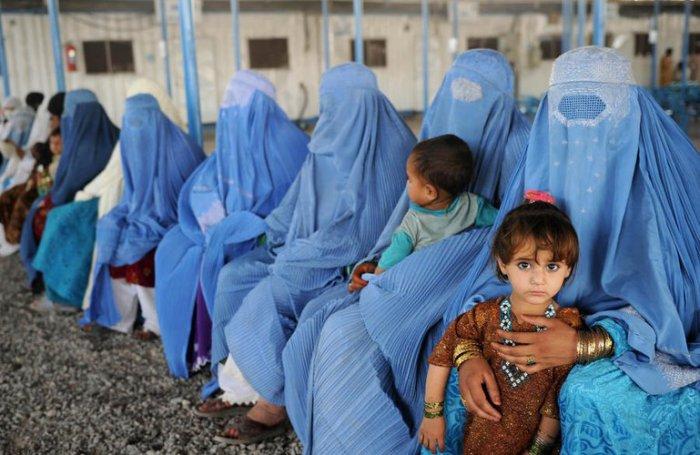 Afghan women.