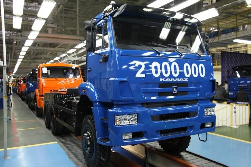 IMG 6918 800x533 КамАЗ выпустил 2 000 000 й грузовик