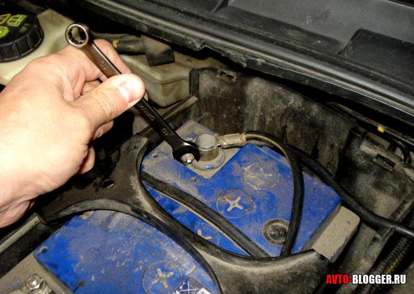 можете получить на бмв сбросить ошибку сбросив клему на аккумулятор месяц хватит?