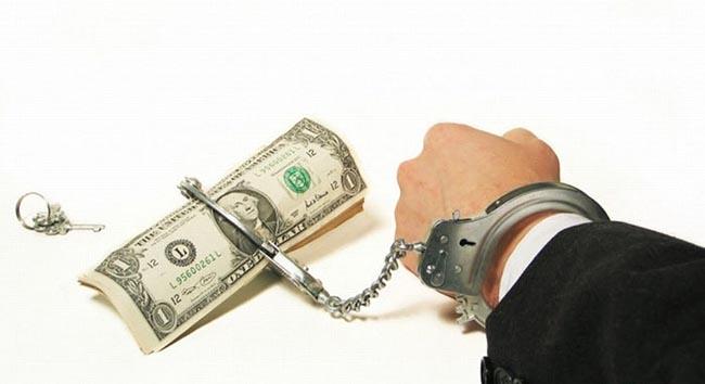 У челябинца арестовали два автомобиля в счет чужого долга.