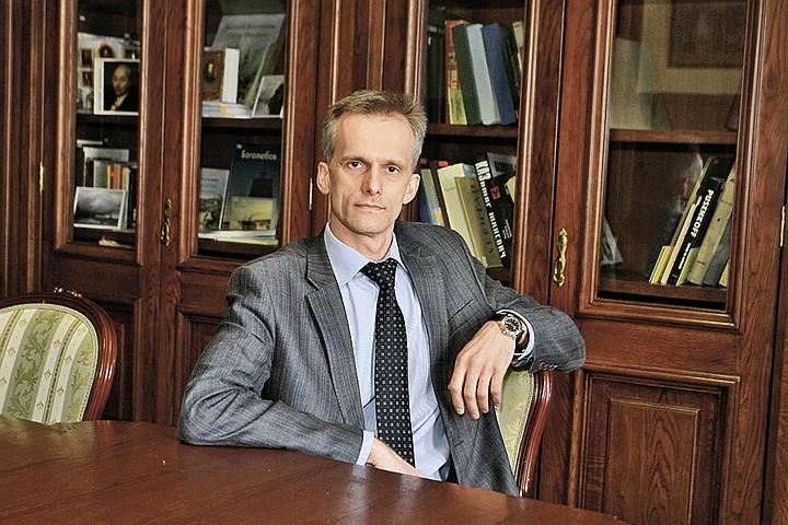 Директор Московской международной книжной выставки-ярмарки Сергей Кайкин: Бумажные книги по популярности начинают обгонять электронные