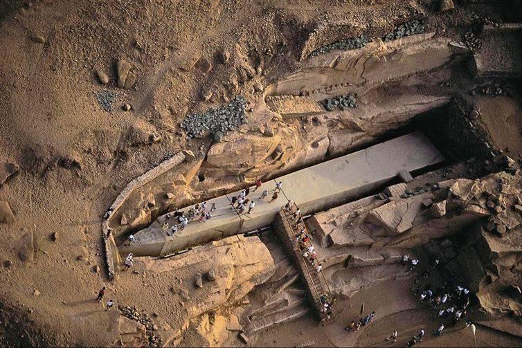 10. Незаконченный обелиск в Египте необъяснимое, очевидное-невероятное, удивительные места мира