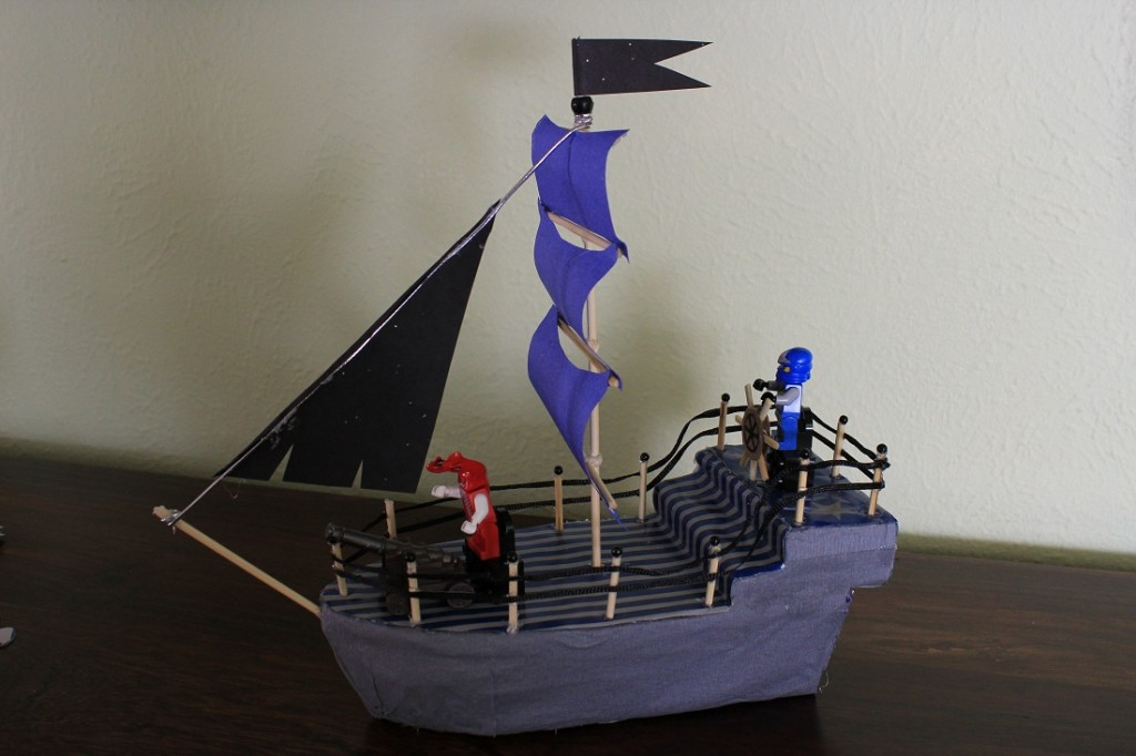 Корабль из подручных материалов своими руками