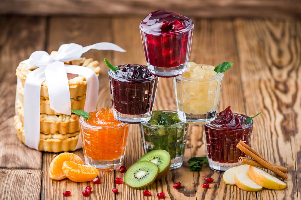 Варенья, соленья, зелень: 5 вкусных рецептов заготовок на зиму