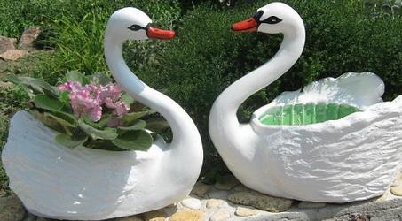 Попробуйте самостоятельно изготовить каркасные фигурки для сада.