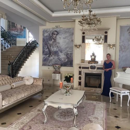 Волочкова похвасталась своим новым домом