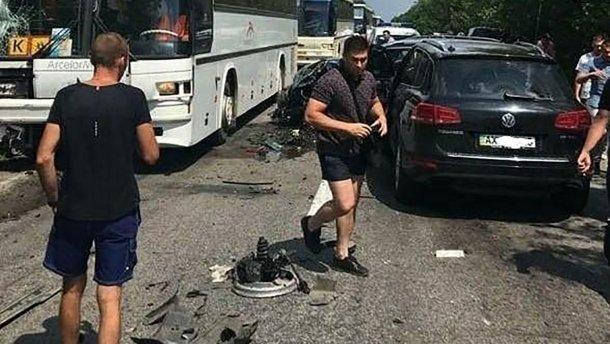 Кортеж Зеленского стал причиной массового ДТП с автобусами, везшими детей