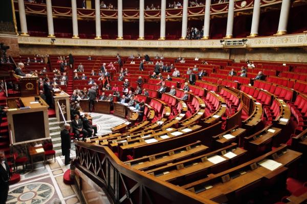 Парламент Франции узаконил свой вариант электронной слежки за гражданами