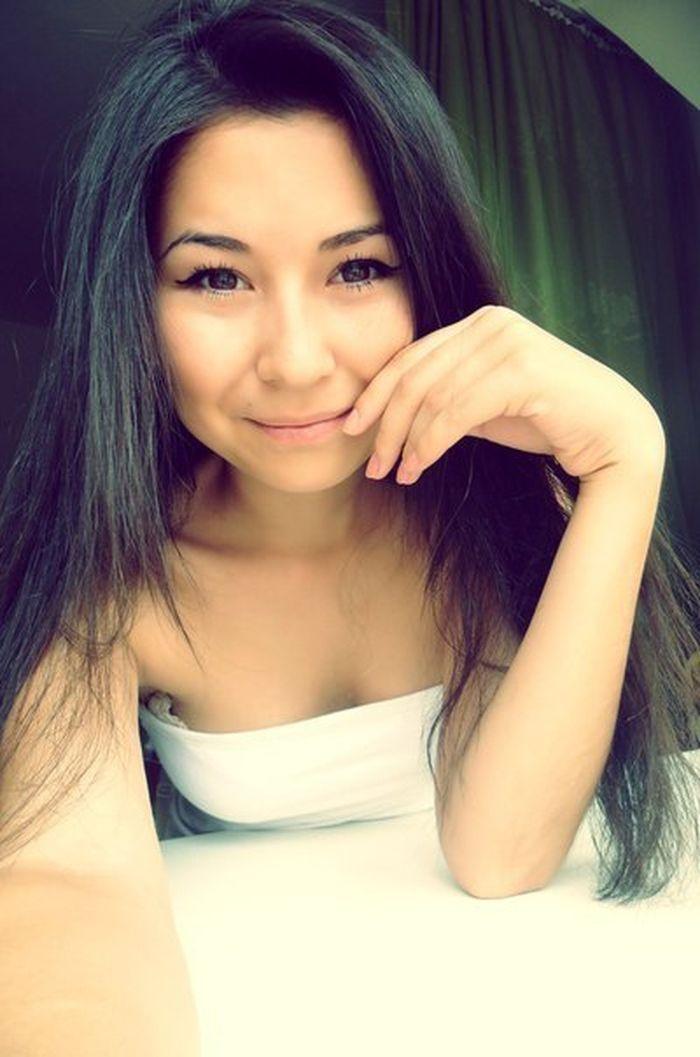 Красивые девушки казахстана в чулках