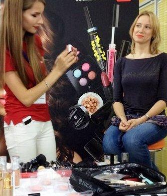 Как быстро превратить дневной макияж в вечерний: лайфхак от профессионального визажиста