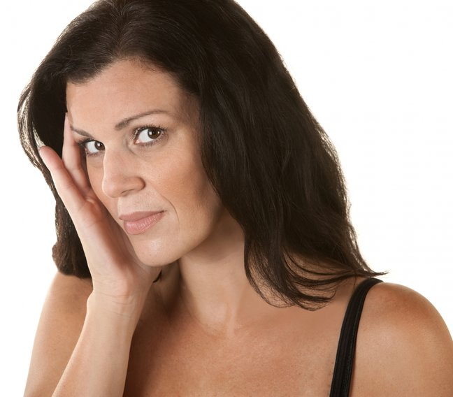 Обвисшие щеки: как вернуть упругий овал лица