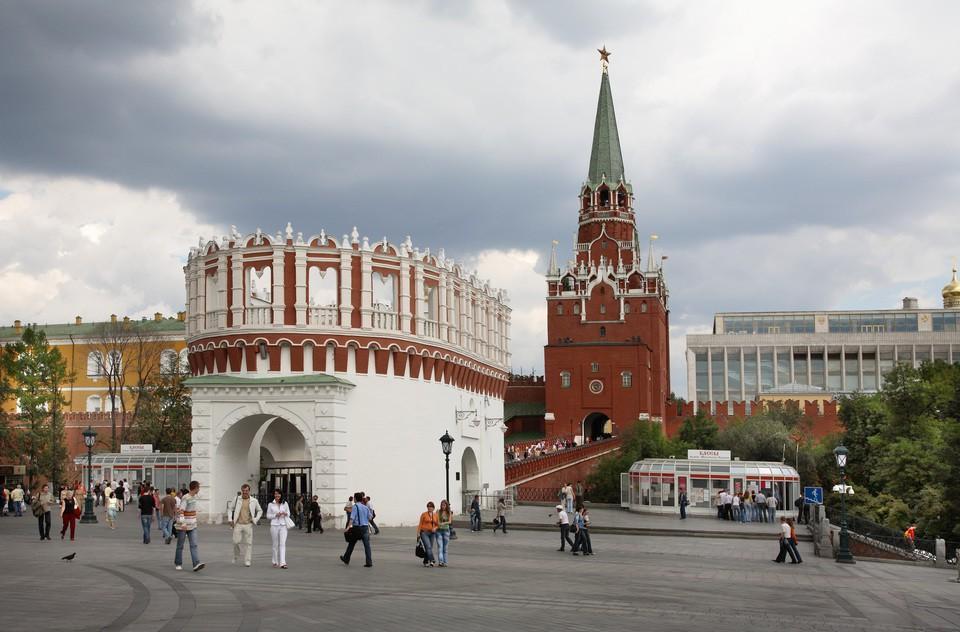 Троицкая башня Кремля открое…