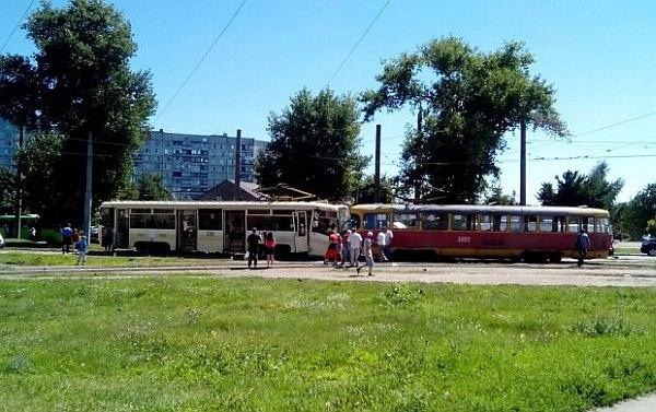 Это же не истребитель! Это трамвай!