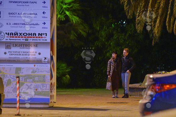 SUPER стал свидетелем тайных отношений, встретив Нонну Гришаеву и Дмитрия Исаева в Сочи