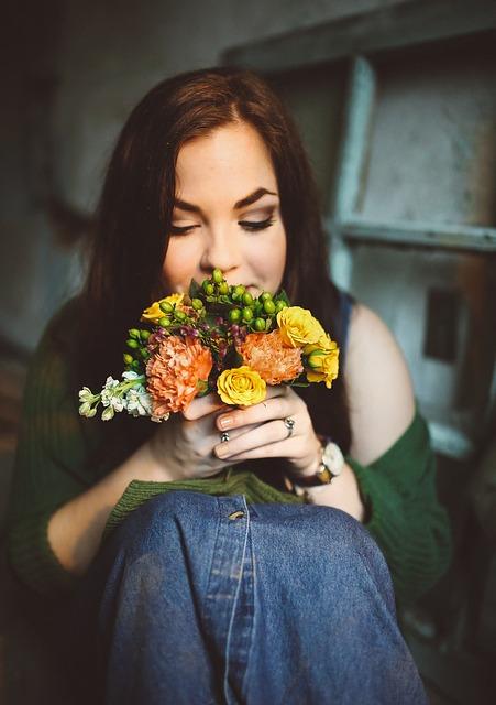 Женщина, Цветы, Женщины, Заседание, Букет, Лицо