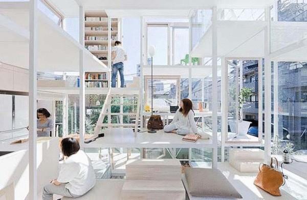 Стеклянный дом в Токио (Япония)