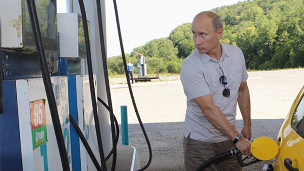 """""""Не уверен - не обгоняй"""" и другие крылатые выражения Путина во время """"Прямой линии"""""""