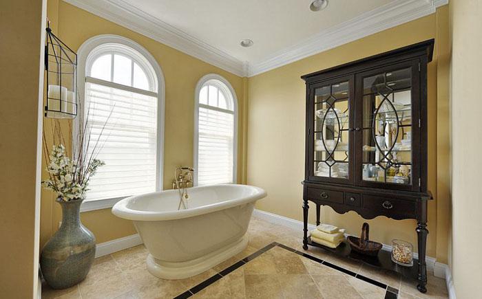 Солнечная роскошь жёлтого цвета: новый взгляд на интерьер ванных комнат