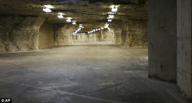 Найдены секретные бункеры пришельцев под пирамидами Египта