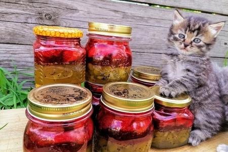 Фото к рецепту: Двойное варенье киви-клубника / я не устаю повторять этот рецепт!