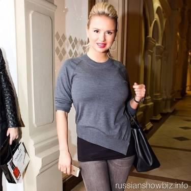 Анна Семенович готова к смене имиджа