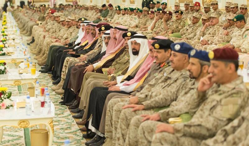 То же самое рвение, с которым Мухаммед проводит экономические реформы, также привело Саудовскую Аравию в состояние грязной войны с Йеменом. В марте прошлого года он начал воздушную кампанию против повстанцев-хуситов, чей правовой статус весьма легко использовать в качестве casus belli.