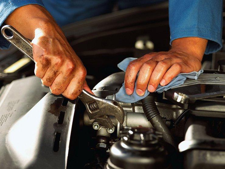 Где лучше ремонтировать машину — у дилера или у частника
