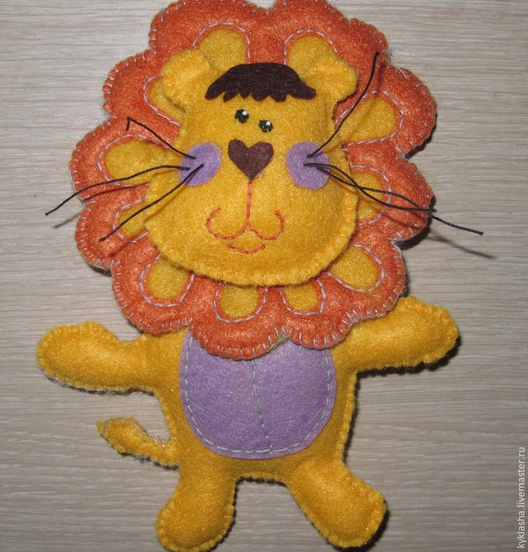 Шьем из фетра забавного львенка