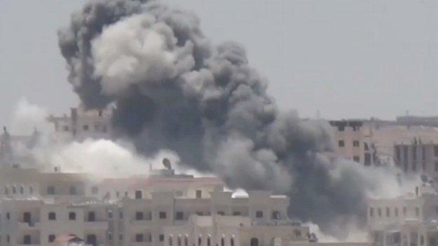 При авиаударе коалиции по сирийскому Дейр-эз-Зору погибли минимум 13 человек