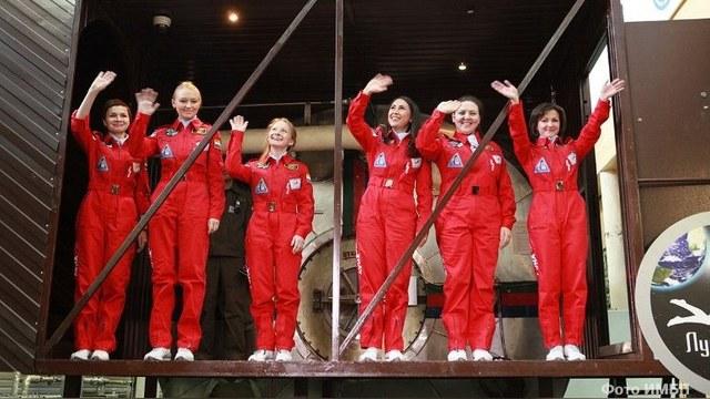 Daily Mail:Русским женщинам мужчины в космосе не нужны!!!