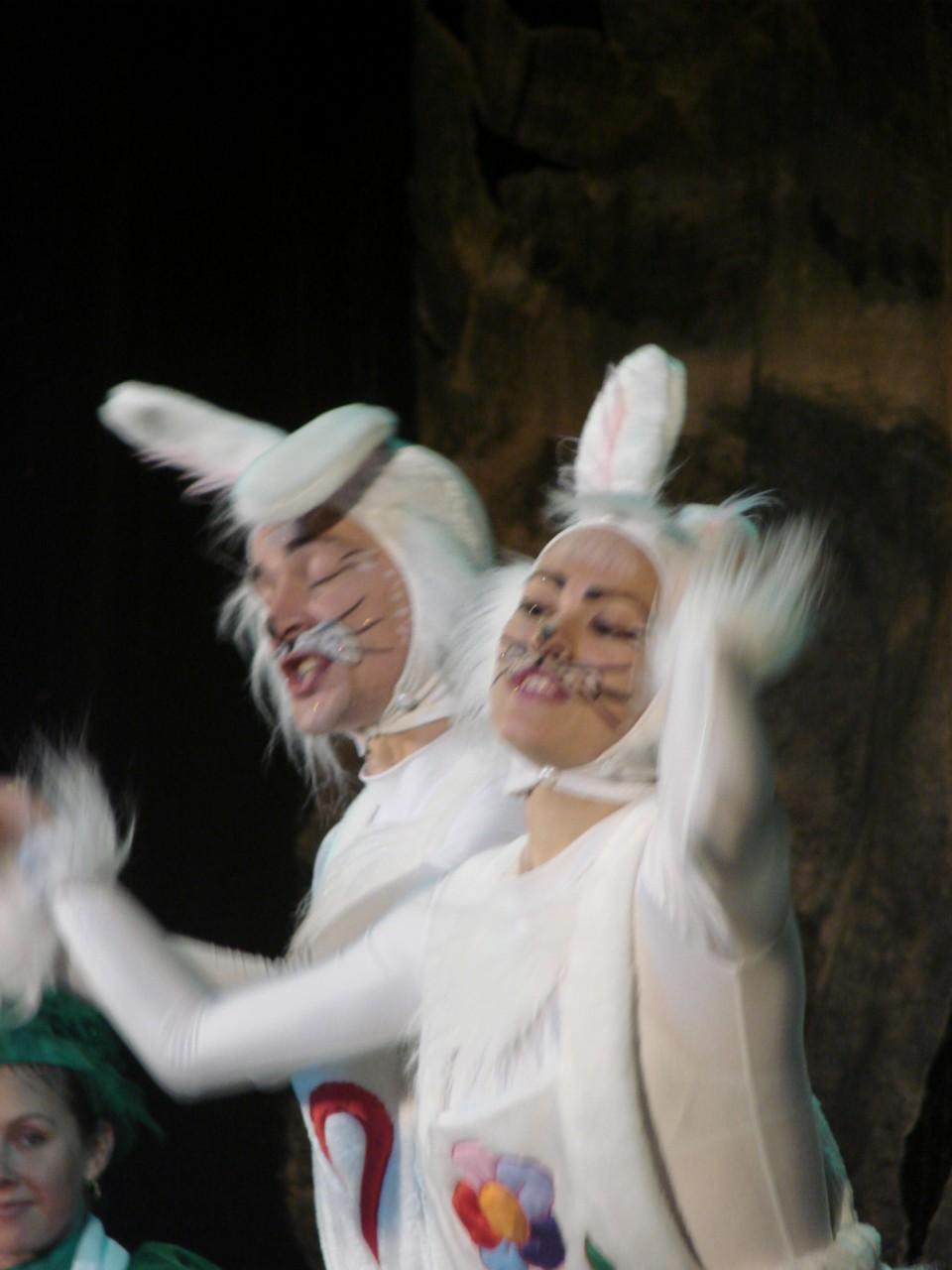 """Разговор о сказке,  о Бабе Яге, и не только!!!!! или отчет по новогоднему спектаклю """"Как зайцы Новый год спасали"""""""