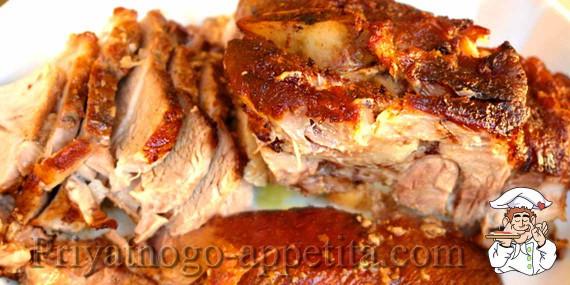 рецепты свинина в духовке в горшках
