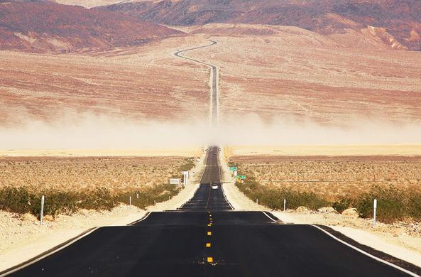 Американец застрял в пустыне без воды, но нашел неприятный способ выжить
