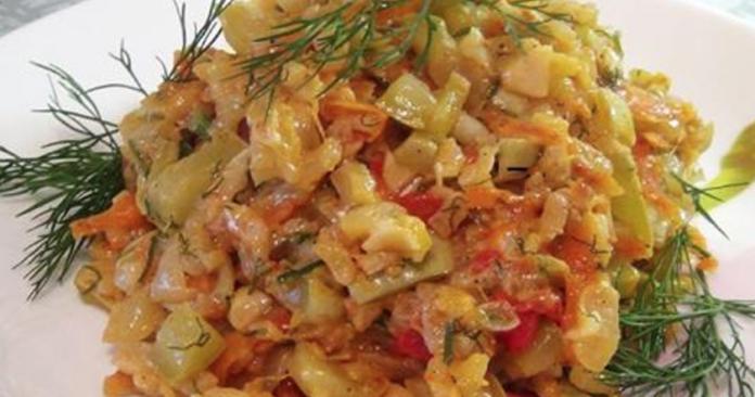 Шикарное легкое диетическое блюдо — самые вкусные тушеные кабачки с рисом. Необычный рецепт из простых ингредиентов