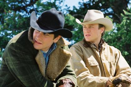 От Голливуда потребовали вводить геев и лесбиянок в каждый второй фильм