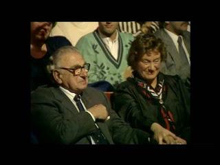 Он спас 669 детей во время Холокоста...и не знал, что сейчас они сидят рядом с ним