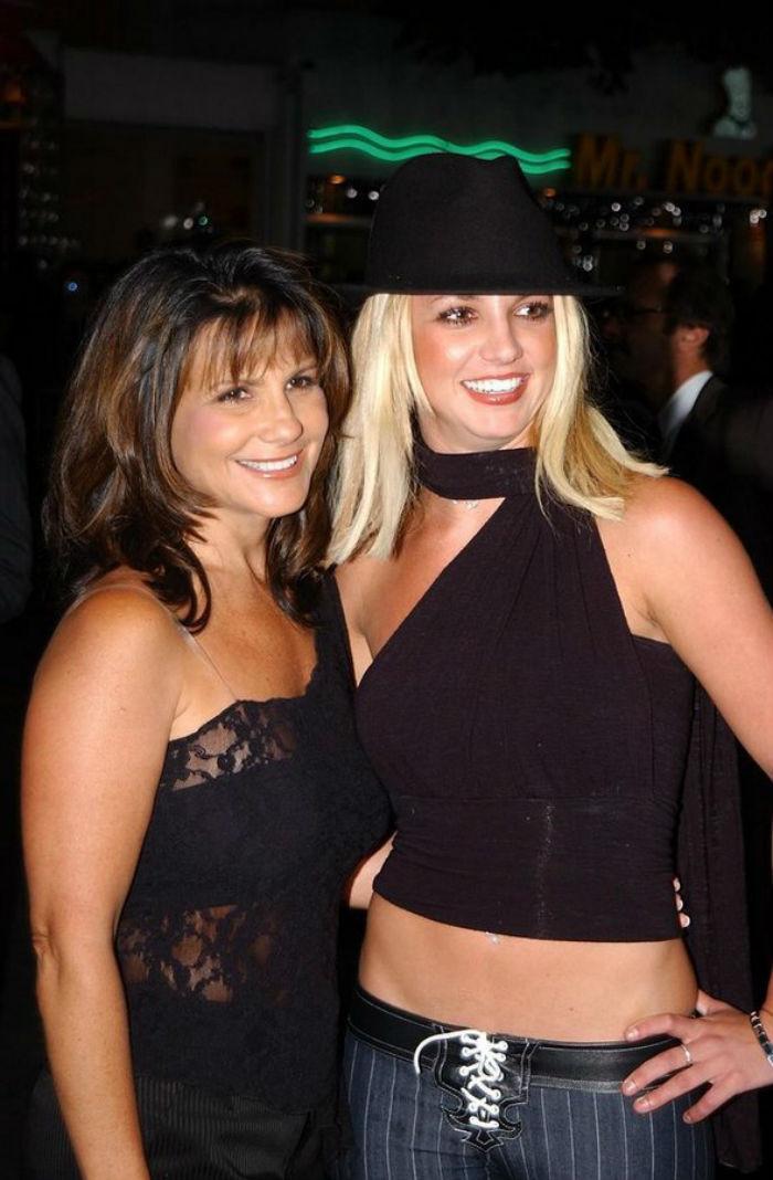 28. Бритни и Линн Спирс звезды, мама, фото