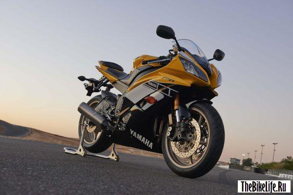 b2ap3_thumbnail_yamaha-yzf-r6-and-supper-tenere-available-in-60th-anniversary-livery-photo-gallery_1.jpg