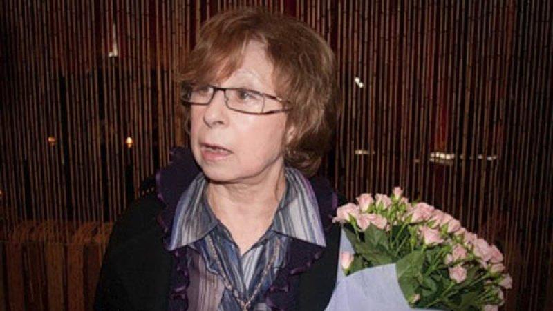 В Новый год Ахеджакова предложила россиянам извиниться «за то, что русские»