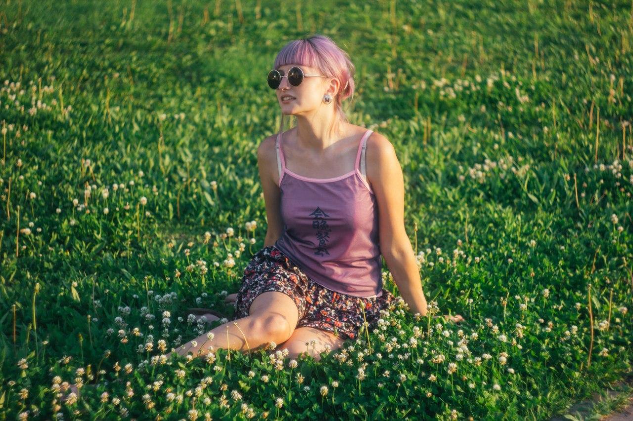 Дворовая девушка фото