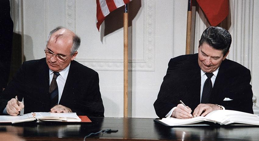 Горбачёв написал статью о ра…