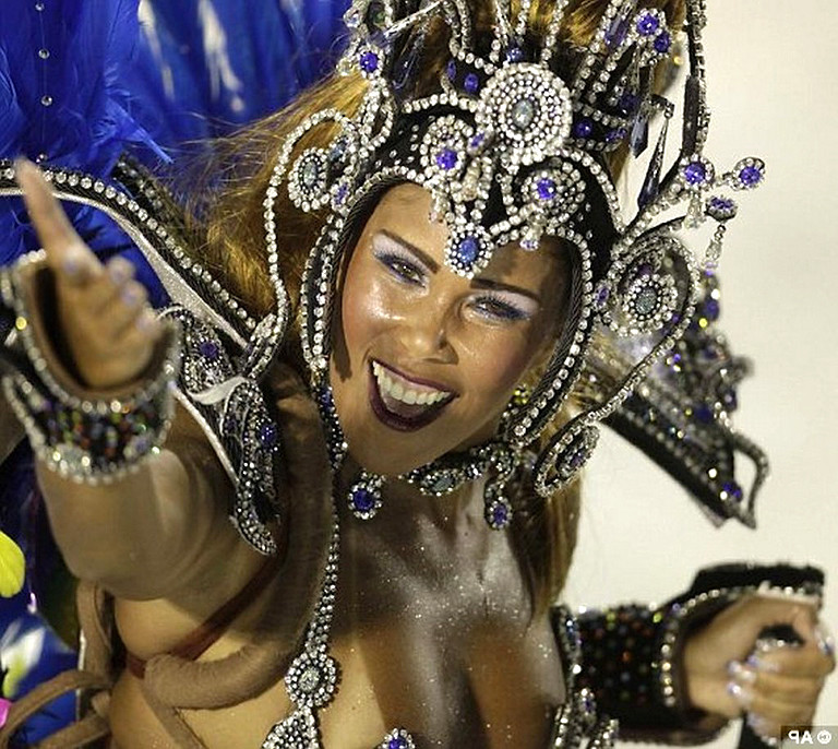 Карнавал в рио де жанейро 2010 видео порно
