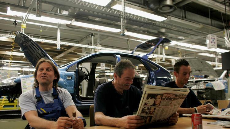 26 немцам в течение года платили по тысяче евро в месяц, чтобы проверить, будут ли они при этом работать