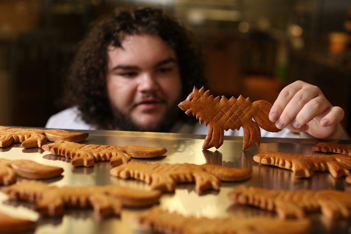 Актер из «Игры престолов» открыл тематическую пекарню