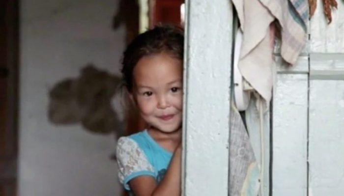 3-летняя Карина 2 недели блуждала по тайге. Ни один дикий зверь не тронул ее по одной причине!