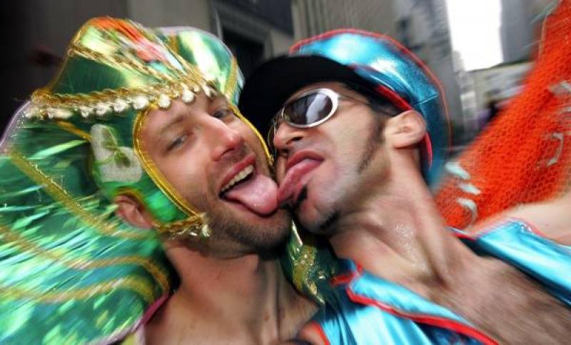 Европейский суд защитил российских геев, гей-парад пройдет 28 мая.