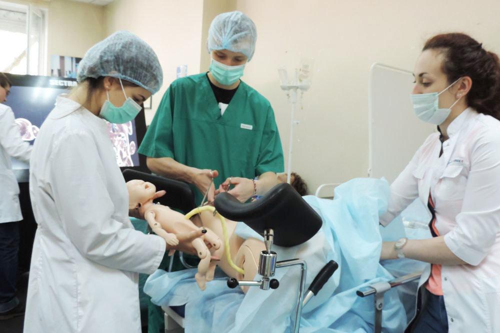 При РНИМУ им. Н.И. Пирогова начался новый курс Школы юного хирурга