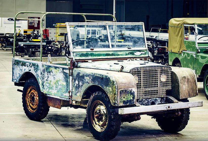 Работники завода случайно раскопали самый первый Land Rover Defender